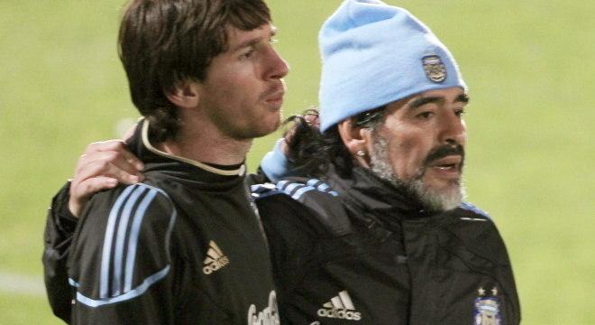 Messi e Maradona juntos na Copa do Mundo de 2010, na África do Sul