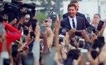 Centenas de torcedores do PSG receberam calorosamente o argentino, seis vezes melhor do mundo, e que chega para formar um dos grandes times da história do futebol