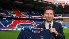 Messi assina contrato de até três anos e posa com a camisa do PSG
