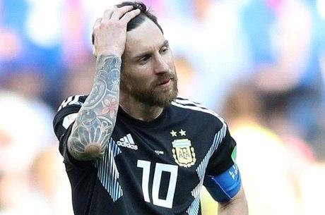 Messi perdeu pênalti decisivo na estreia da Copa 709ab12196904