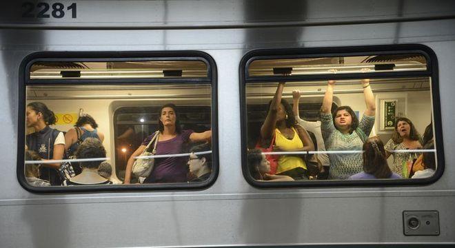 Em muitas cidades, metrô separa vagões só para usuárias para evitar assédio