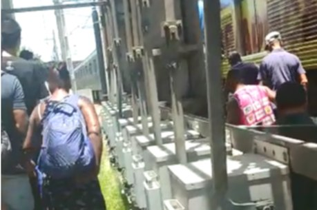 Passageiros voltaram a pé para Estação Calafate