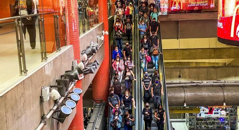 Escada rolante na Estação da Luz, no centro de São Paulo
