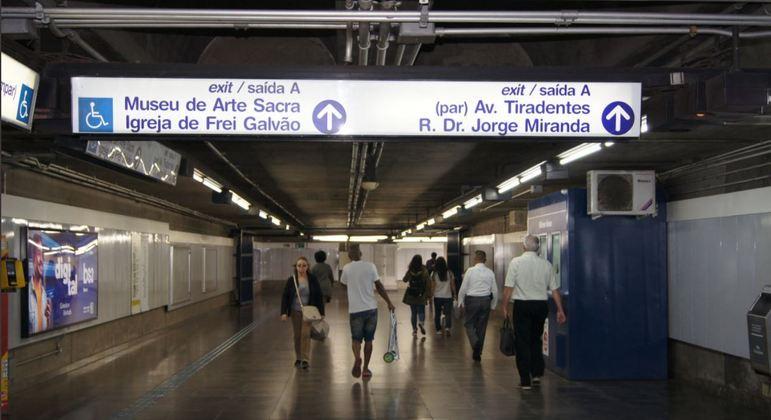 Trens da Linha 1-Azul do Metrô operam com lentidão na manhã desta quarta-feira (30)