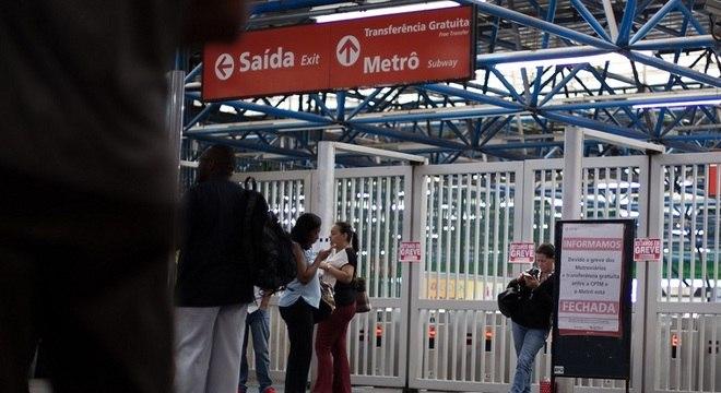 Metroviários tiveram corte de 10% nos salários