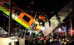 Ao menos 23 pessoas morreram e 70 ficaram feridas nasegunda-feira (3) à noite na queda de um trem do metrô da Cidade do México de umviaduto que desabou, anunciaram as autoridades