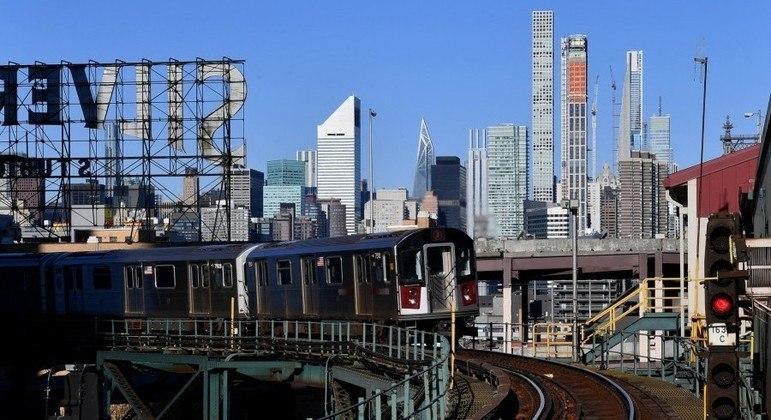 Restrições de circulação dos metrôs serão suspensas no dia 17  de maio