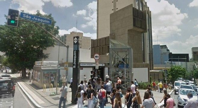 Jovem foi abordada em frente à estação São Joaquim