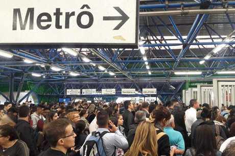 Funcionários pedem mais medidas do Metrô