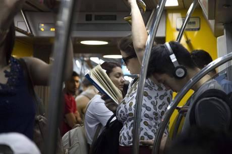Transporte público é local mais propício a assédio