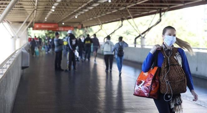 Governo de SP anuncia reabertura econômica para 1º de junho