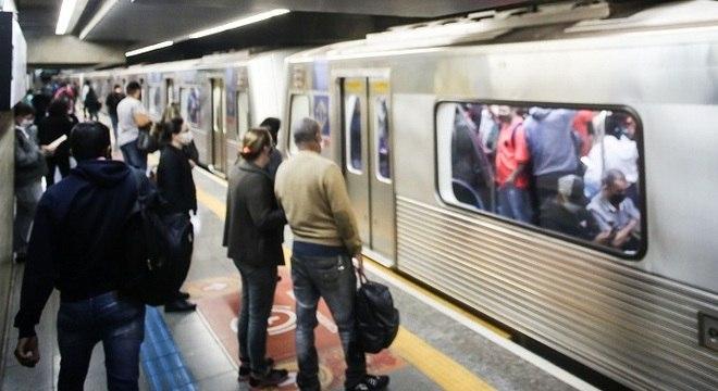 Homem foi detido por importunação no Metrô