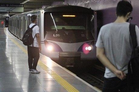 Metrô de SP retorna gradualmente as atividades