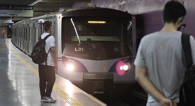 Metrô vai fechar uma hora mais cedo no sábado (23)
