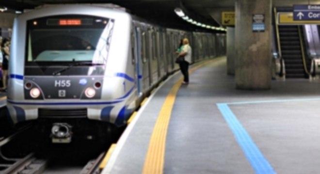 Metroviários adiam paralisação dos trabalhos para o dia 8 de julho