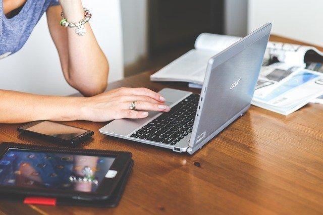 Tablets, notebooks e celulares serão doados para alunos da rede pública de SP