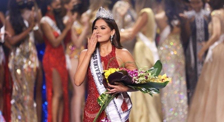Mexicana Andrea Meza leva a coroa do Miss Universo