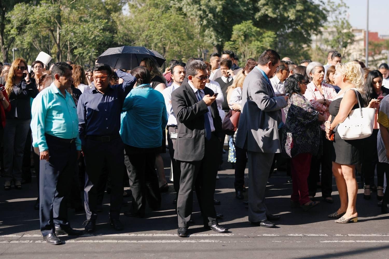 Terremoto de magnitude 5,3 causa pânico no México. Veja fotos