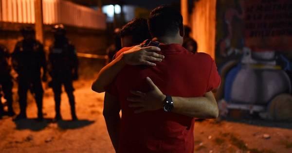 México: Atiradores matam 13 em bar, na pior chacina em anos