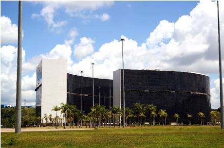 Minas prevê déficit de R$ 17 bi para 2021