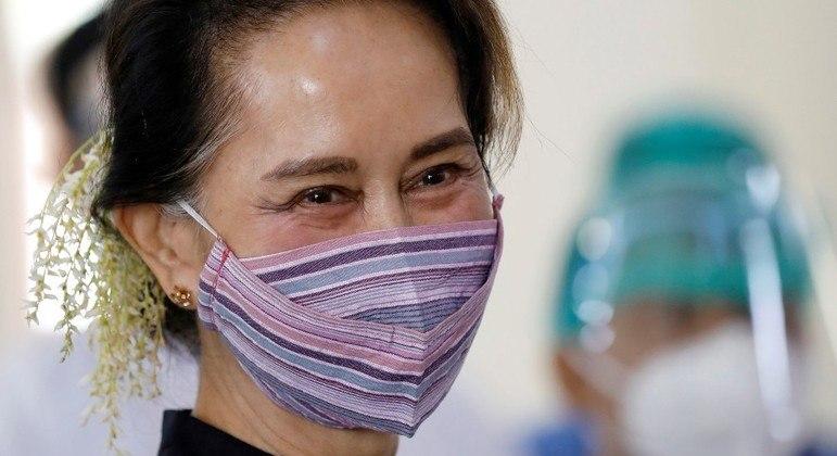 Suu Kyi sofreu uma nova acusação nesta quinta, com base em lei do período colonial
