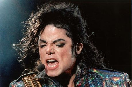 Michael Jackson é acusado novamente por abuso sexual