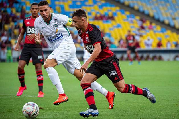 Michael (24) - Flamengo - Valor atual: 4 milhões de euros - +60% - Diferença: 1,5 milhões de euros