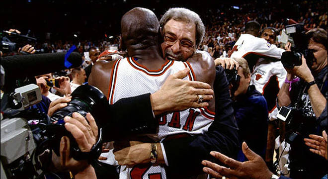 Sem Phil Jackson, sem Michael Jordan. Simples e cruel assim