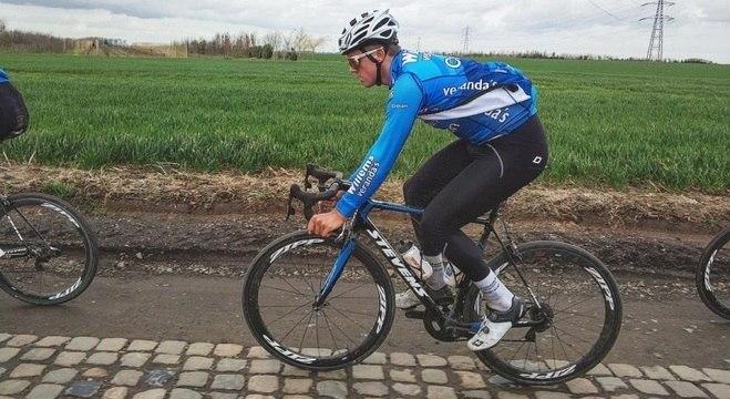 Michael Goolaerts morreu de parada cardíaca durante a prova de Paris-Roubaix