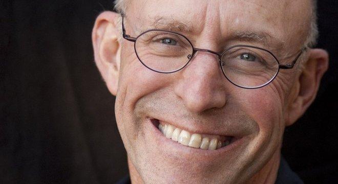 Pollan entrevistou dezenas de médicos e psiquiatras dos Estados Unidos para seu livro sobre psicodélicos