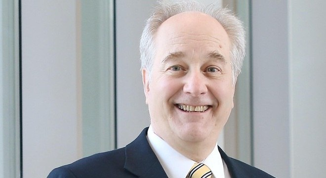 Michael Schmidt, pesquisador da Universidade Médica da Carolina do Sul, comparou com a presença de micróbios em camas de plástico e cobre.