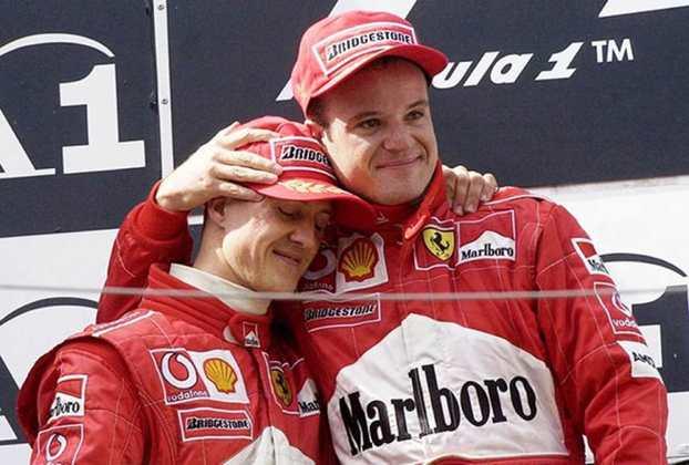 """Michael Schumacher e Rubens Barrichello: Companheiros de Ferrari no início deste Século, o piloto brasileiro Rubens Barrichello sempre ficou à luz do alemão Michael Schumacher. No entanto, o grande marco de uma relação conturbada aconteceu no GP da Áustria, em 2002, quando o piloto foi coagido por Jean Todt, chefe de equipe da escuderia italiana, a ceder a vitória a """"Schumi"""", mesmo tendo liderado a corrida inteira, o que gerou um grande constrangimento. Em 2012, após deixar a categoria, Rubinho escancarou que a relação com Schumacher nunca foi das melhores."""