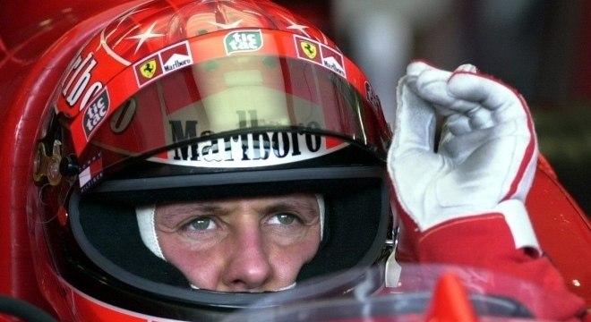 Michael Schumacher ficou em primeiro, com ex-diretor Bernie Ecclestone em segundo