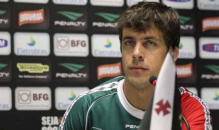 Michel Alves jogou no Vasco em 2013. Disputou 15 partidas, mas não agradou. Naquela temporada, as falhas dos goleiros foram decisivas para o rebaixamento da equipe no Brasileirão.