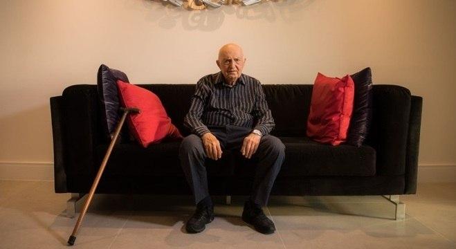 Michel Dymetman narrou sua história de sobrevivente do Holocausto em livro