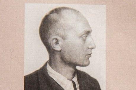 Michel, meses após deixar campo de concentração