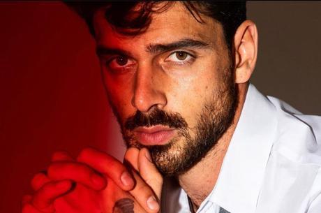 Michele Morrone faria parceria com Anitta