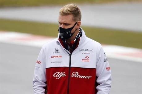 Schumacher é o líder da F-2 neste ano