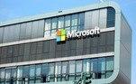 A Microsoft enviou um aviso esta semana a todos os usuários do Windows, pedindo que eles atualizem seus sistemas operacionais com um patch de segurança que fecha a porta de uma falha descoberta recentemente. Essa brecha, por meio de uma funcionalidade de impressoras sem fio, dá a hackers a possibilidade de invadir remotamente computadores desprotegidos