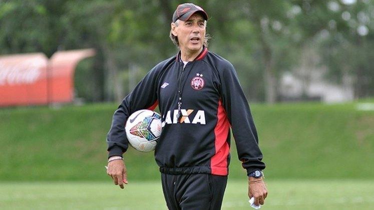 Miguel Ángel Portugal – espanhol – 65 anos – sem clube desde que deixou o Royal Pari (BOL), em maio de 2020 – principais feitos como treinador: conquistou um Campeonato Boliviano (Bolívar)