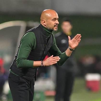 Miguel Cardoso: Também de Portugal, o técnico já comandou o Sporting, o Shakhtar Donetsk e mais algumas equipes do Velho Continente. Seu último trabalho foi no AEK, da Grécia