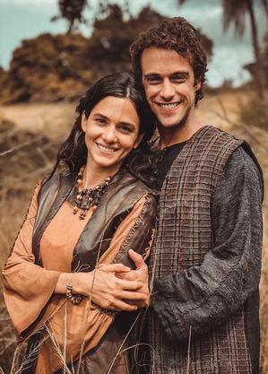 Casal Fátima e Eliezer em Gênesis