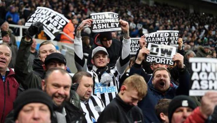 Mike-Ashley - Newcastle (Inglaterra)