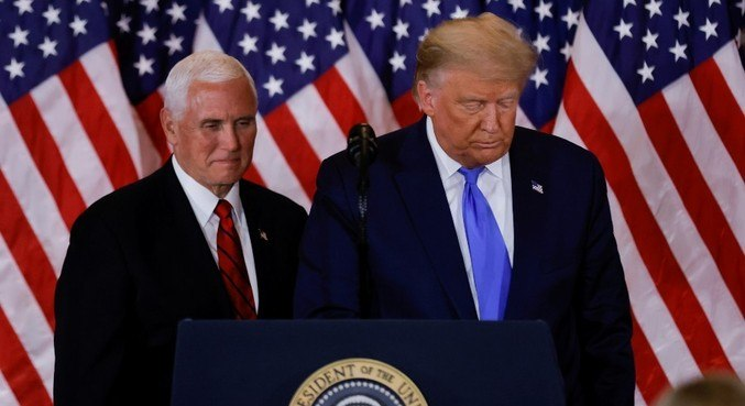 Mike Pence descarta invocar 25ª Emenda para destituir Trump