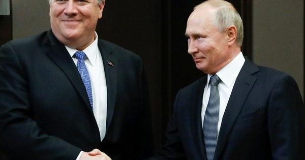 Pompeo diz à Rússia: Não interfiram nas próximas eleições presidenciais