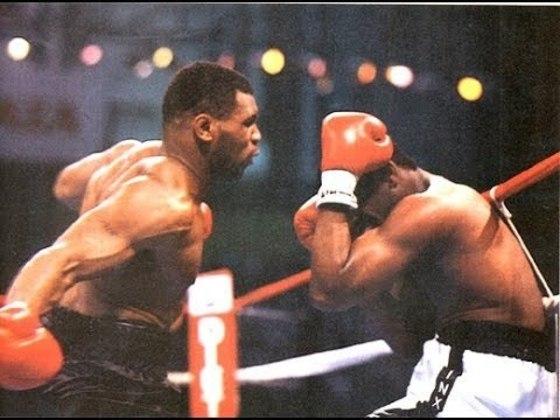 Mike Tyson e Michael Spinks estavam invictos até se enfrentarem no dia 27 de junho de 1988, em Nova Jersey. A luta, muito aguardada, terminou com nocaute de Tyson em 91 segundos