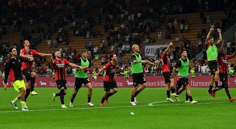 Milan, euforia pelo sucesso e pela liderança
