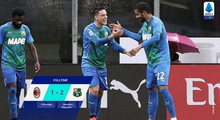 Em Milão, a euforia do garoto Raspadori, dois gols na partida e na temporada