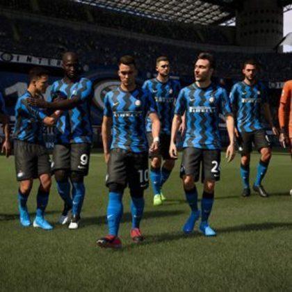 Milan e Inter de Milão trocam PES por FIFA este ano