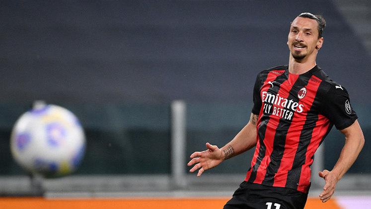 Milan:  Samu Castillejo, Giroud e Ibrahimovic